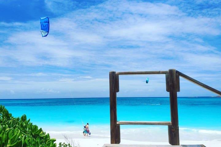 Affordable Exuma Beach Vacation (Lower Unit 1Bdrm)