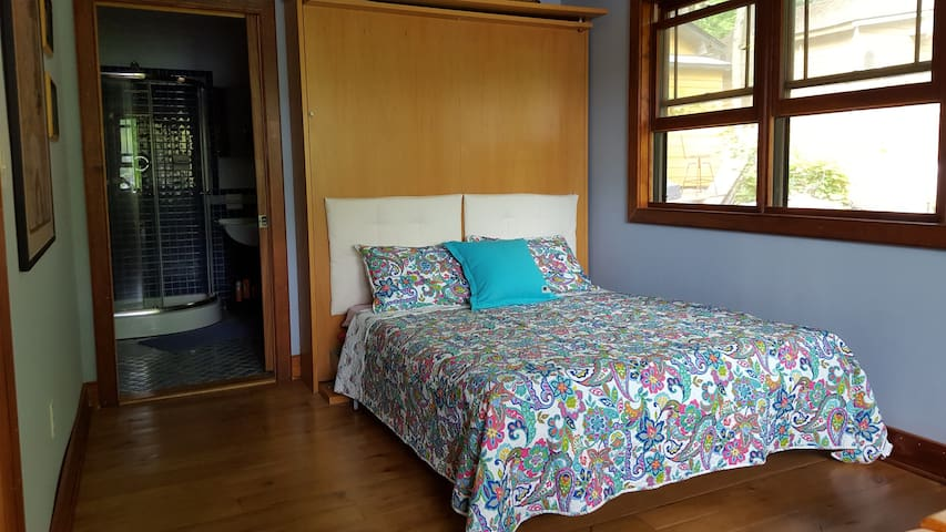 Private Room on Lake Hopatcong