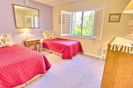 Sea Haven Resort - 221, Ocean Front, 3BR/2BTH, Pool, Beach - Butler Beach