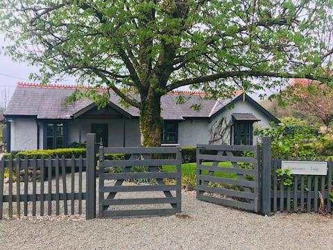 Gamekeepers Lodge, Ashford Estate, Cong
