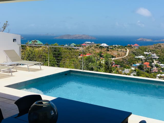 Villa Alouette! Vue magnifique, piscine chauffée !
