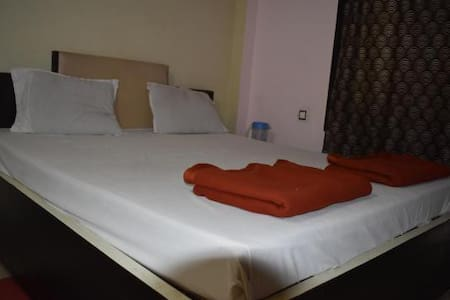 STANDARD NON AC ROOM IN THE HEART OF PURI