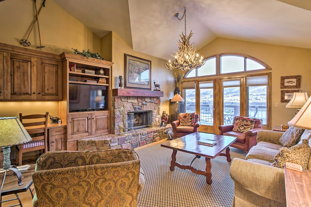 Discover Colorado's  beauty from this platinum-rated, 2-bed, 2.5-bath vacation rental condo in Beaver Creek.