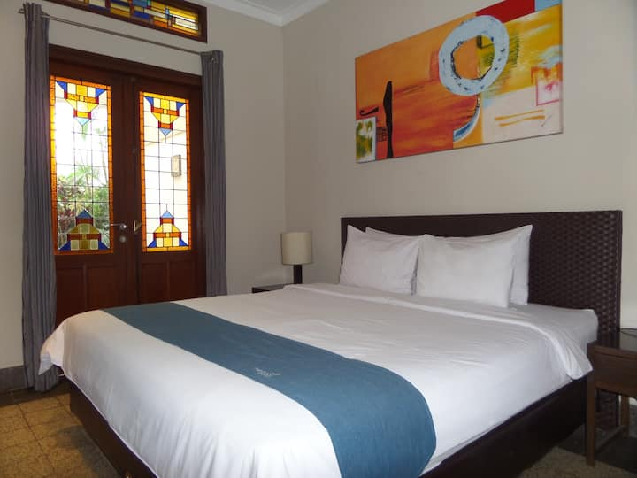 Deluxe bedroom near to Jalan Kawi, Malang