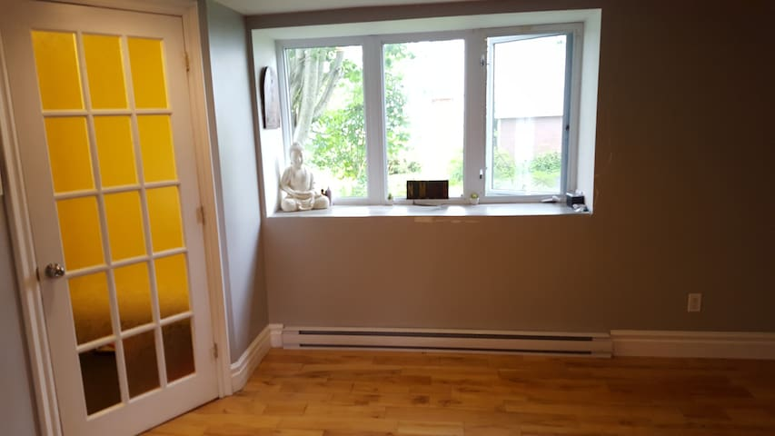 Trendy North end 2 BDRM yoga studio