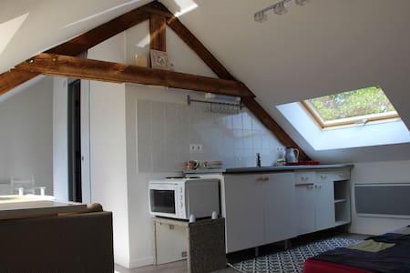 Studio 4 couchages, 15 kms de Lille sans vis à vis - Beaucamps-Ligny - Дом