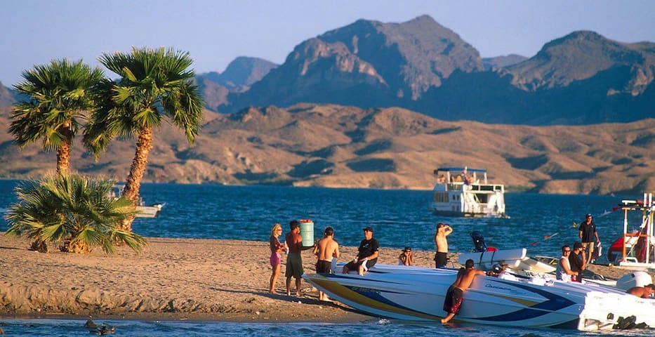 Guest Cottage LOCATION 1 Mile to Water & Downtown - Lake Havasu City - Huoneisto
