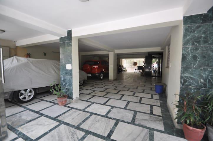 Comfort Inn:- With free Wifi II - Room only - Nova Délhi - Apartamento