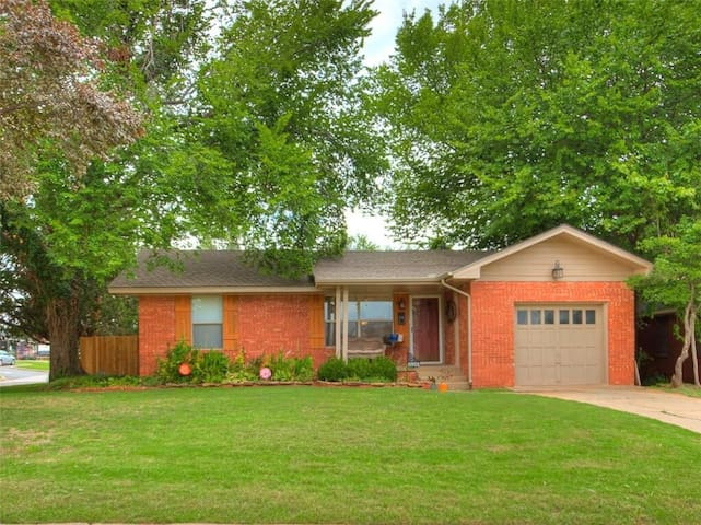 MCM House In The Heart Of OKC Houses For Rent In Oklahoma City