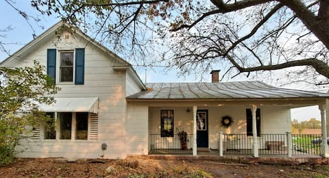 Authentic Farmhouse- Fern Grove Farm