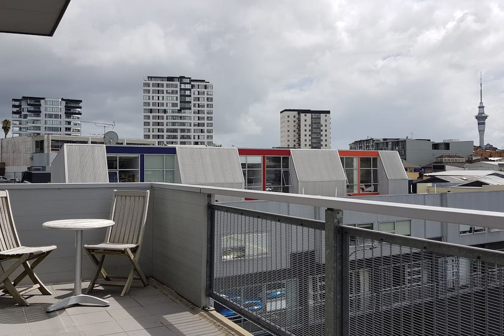 Balcony from main bedroom looking North to Sky Tower