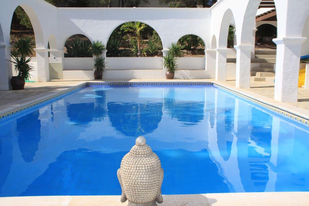 Private 12x6m pool