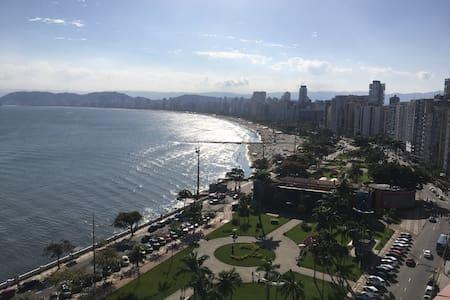 Vista espetacular da praia de Santos!
