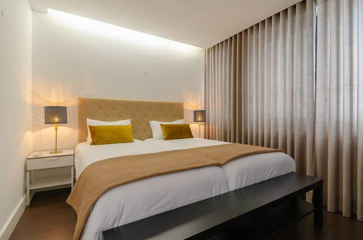 Lisbon Avenue Marquês*****       Luxury Apartments