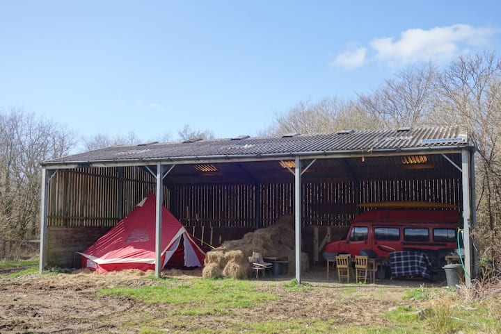 Private Barn With Bell Tent & Campervan