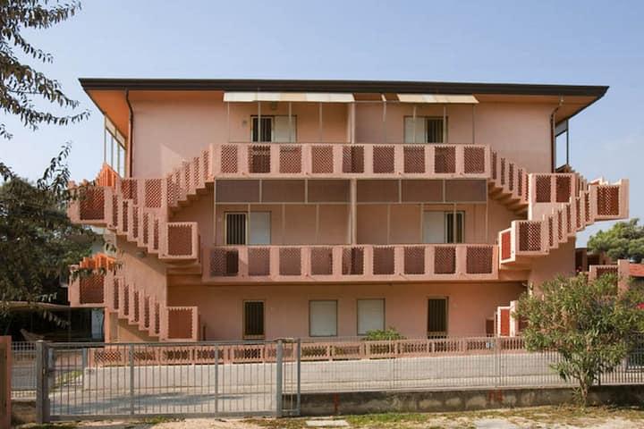 Cute beachfront apartment in Rosolina Mare, close to Venice.