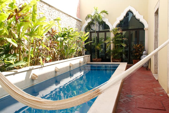 Colonial Luxury with pool in Colonia Santiago - メリダ - 別荘