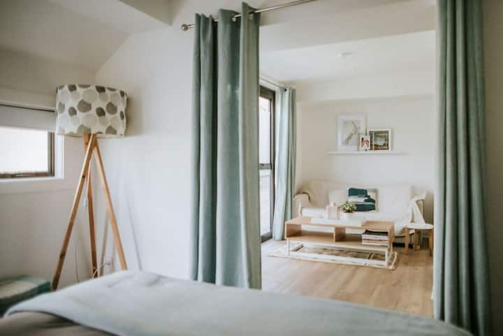 Cosy & Modern Wanaka Studio