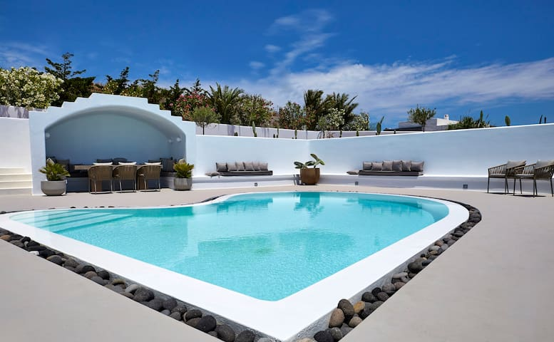 Cave Stone Villa with Private pool and Sea view