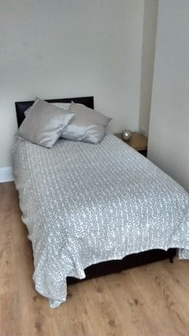 Derwent Street Apartment 1  - Self Catering - Single Room 3