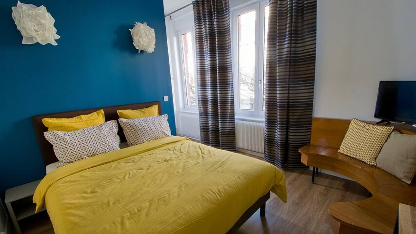 La Guesthouse Chambre Pandore - Lille - Bed & Breakfast