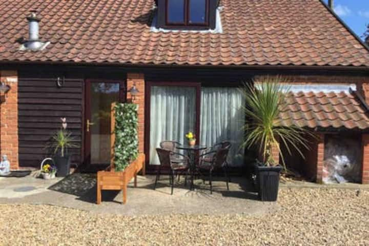 Norfolk Stay by The Broads,tranquil surroundings