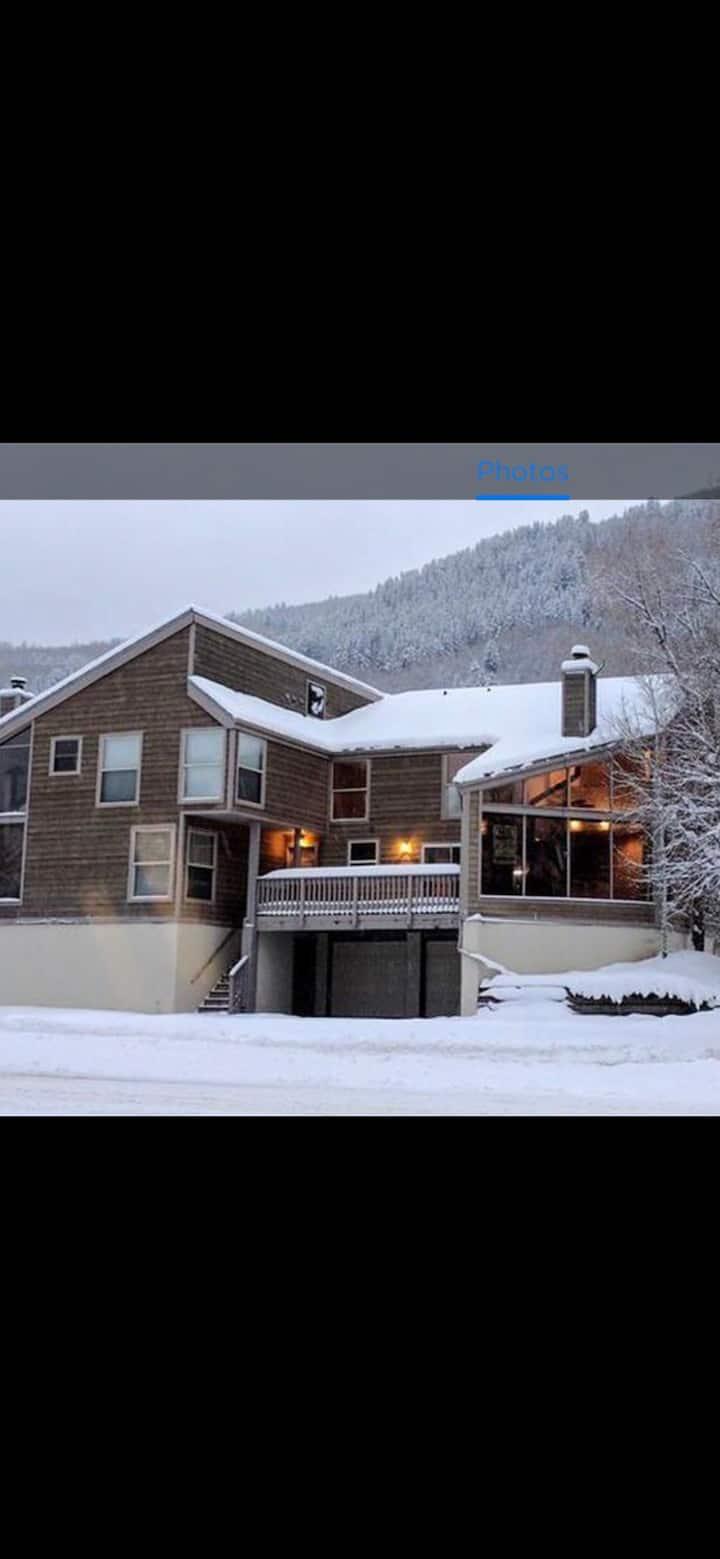Ski Vail- Beaver Creek in 15 minutes!