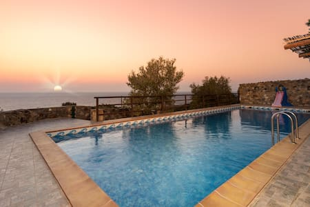 Sea-Sunset Views Villa Lefkothea with Private Pool - Chania