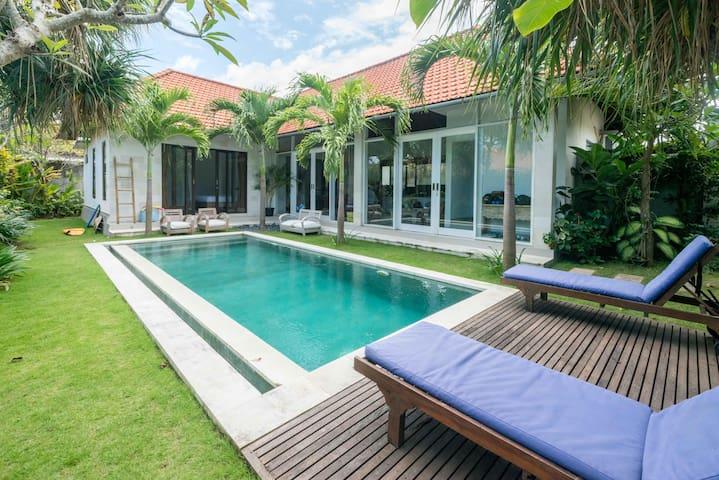 COZY PLACE on Modern Villa! Berawa, Canggu