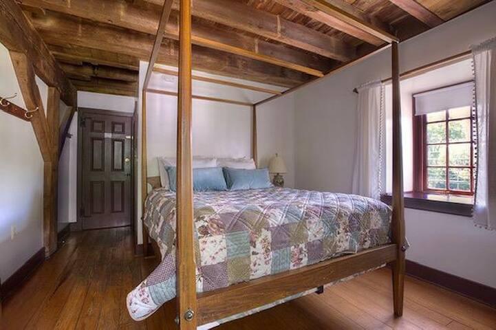 Mill Room 11 at The Inn at Millrace Pond