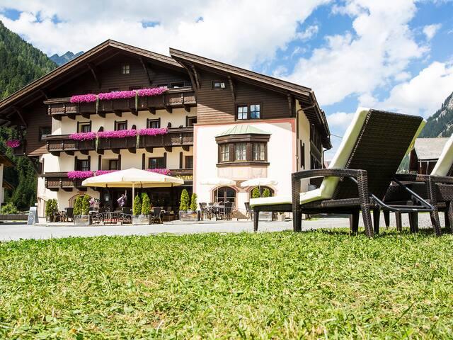 Ferienwohnung Liesele in Sankt Leonhard im Pitztal für 8 Personen