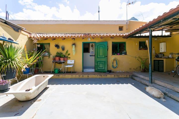 Cozy house with no neighbours around- wide patio - Punta del Hidalgo - Maison