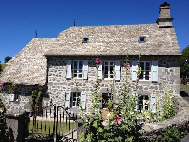 Romantisch vakantiehuis Auvergne - Lacapelle-Barrès