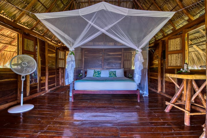 Eden 6 - Eco-lodge in a romantic nature atmosphere