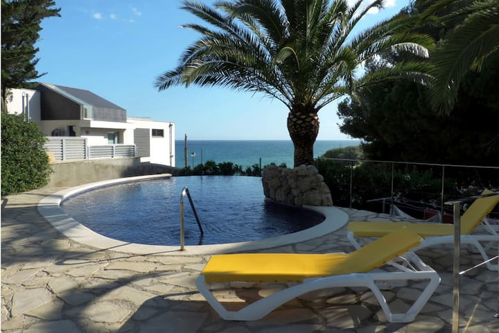AT033 LA SIESTA: Villa for 17 people with private pool and sea views