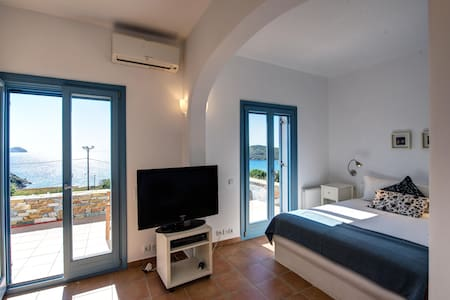 Luxury Guest Suite near the Beach - Siros