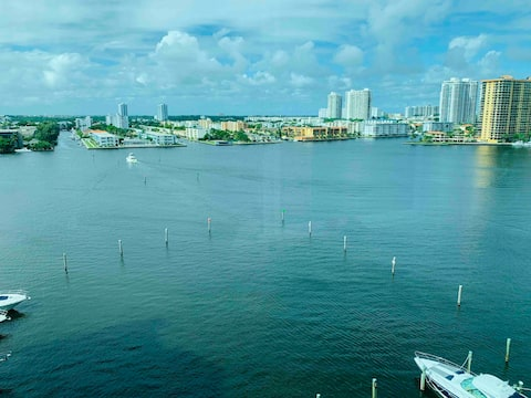 Nice Room with Amazing View in Miami.