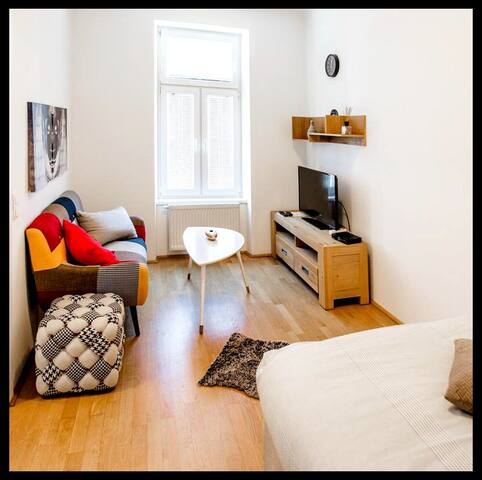 Lianna 11 Apartment