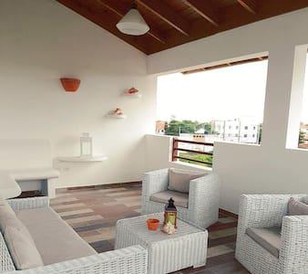 Residencial Vittoria House - Los Melones
