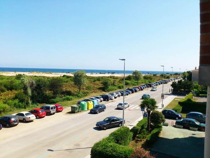Apartamento Noja-Helguera, 1ª linea de playa