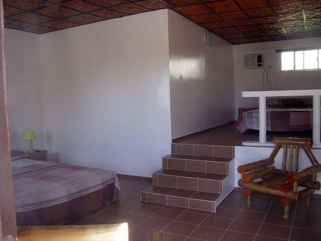 Cheap Room for Rent ( Narra Park Hotel ) - Alcoy - Apartamento