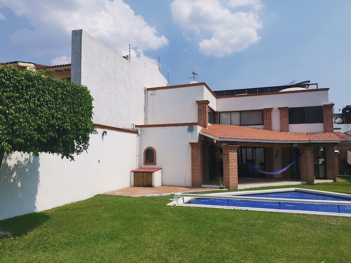 Beautiful house with garden and pool, in Yautepec