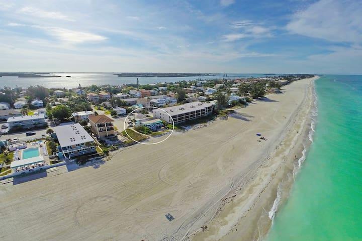AG Casa Marina - #1 Beach Front Bungalow