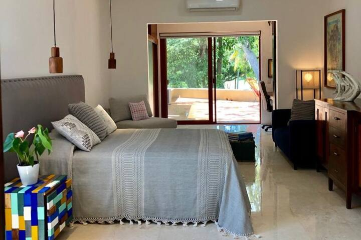 Chic Bed and Breakfast in Marina Vallarta (Room 2)