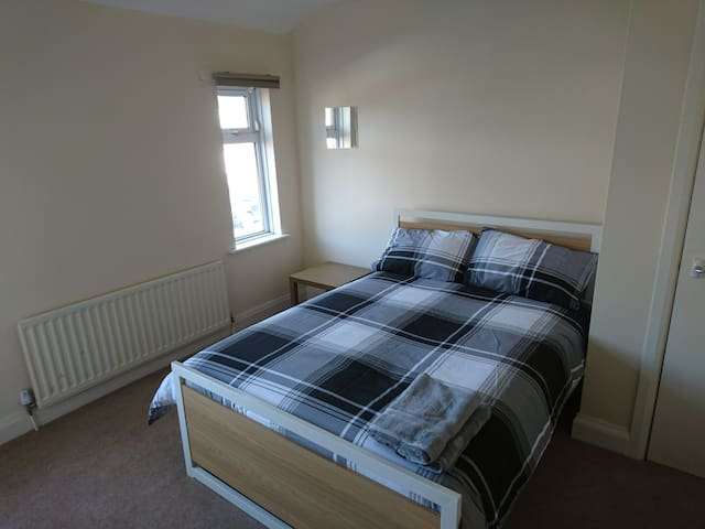 Lovely 4 bed house. Warwick Uni