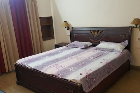 A NICE COMFORTABLE PRIVATE ROOM - Panchkula - Bungaló