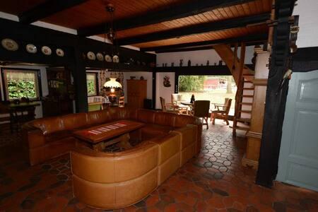 Ferienhaus Familie Martens (Sittensen), Rustikales Ferienhaus (250qm) mit offenem Kamin und Sauna