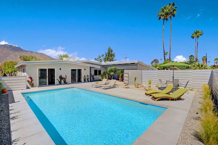 4BR/3BA w/Front yard pool in SouthEast Palm Springs