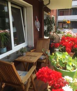 Kleines Zimmer in lebenslustiger WG - Bochum - Apartmen