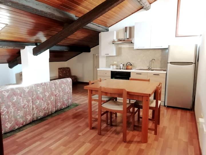 Romantic Chalet ''Re Lear Apartments''